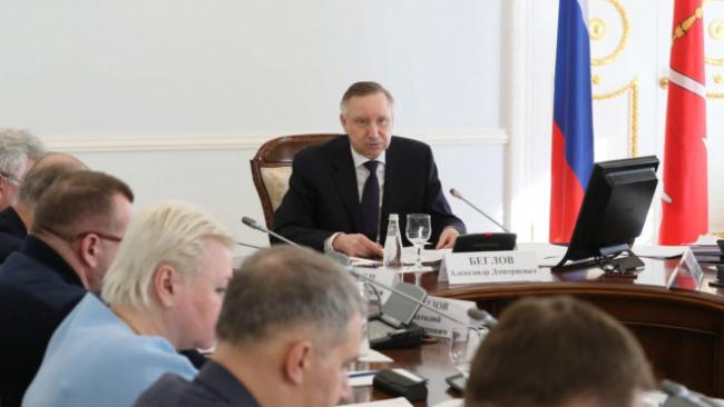 Губернатор Петербурга констатировал ежедневное ухудшение ситуации с коронавирусом