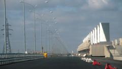 Шлюзы петербургской дамбы закрыли из-за угрозы наводнения