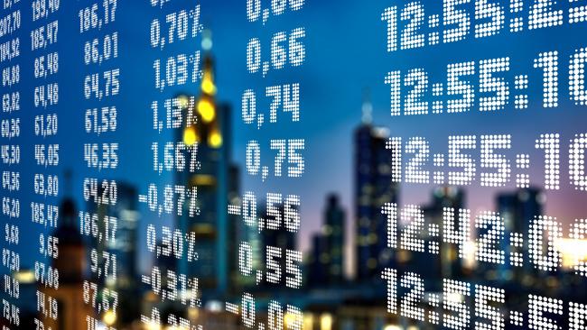 Курс доллара на Мосбирже превысил отметку 66 рублей