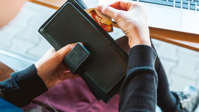 Госдума продолжает борьбу с кражей денег с банковских карт