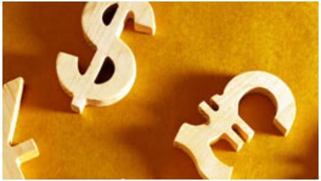 Биржевой курс доллара упал ниже 53 рублей, евро - ниже 57 рублей