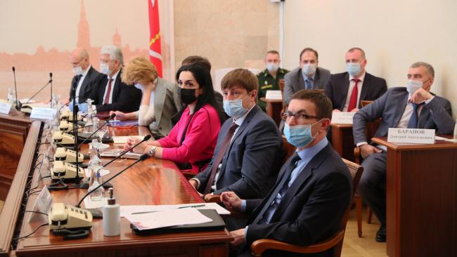 Петербург и Ленинградская область готовятся к первому этапу снятия ограничений