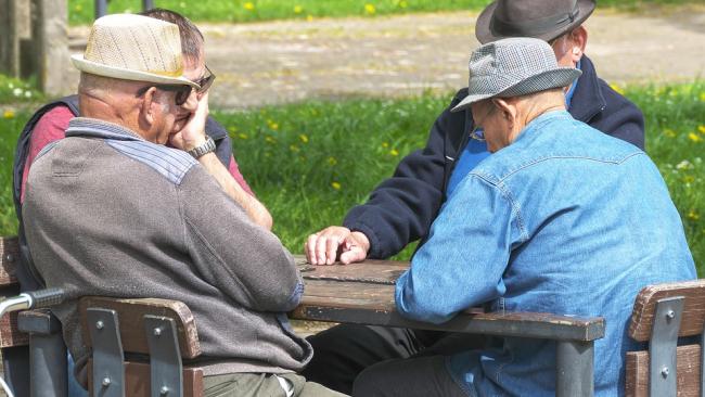 Инопланетяне ближе, чем пенсия: большинство граждан верит в НЛО, нежели в достойную старость