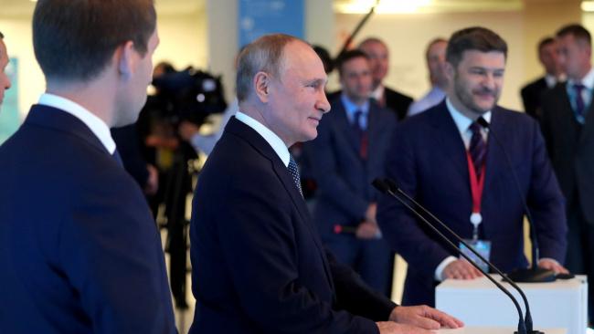 """Никто, кроме """"Единой России"""" не в состоянии быть правящей партией: мнение экспертов"""
