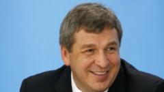 Вице-губернатор Игорь Албин предложил петербуржцам самим убирать снег