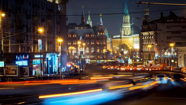 """Эксперты: Сурков пытается занять позицию """"ультрапутиниста"""""""