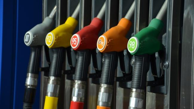 За первый квартал цены на бензин выросли на 1% в Петербурге
