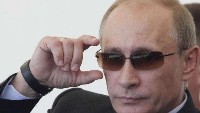 Путин в новой программной статье предложил Интернет-демократию