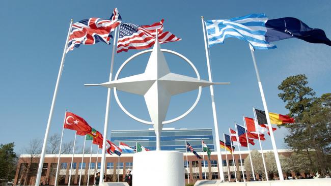 Постпредство России порекомендовало НАТО купить учебники по истории