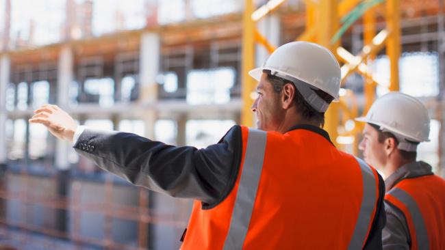 Строительная отрасль лидирует по количеству высокооплачиваемых вакансий: Росструд