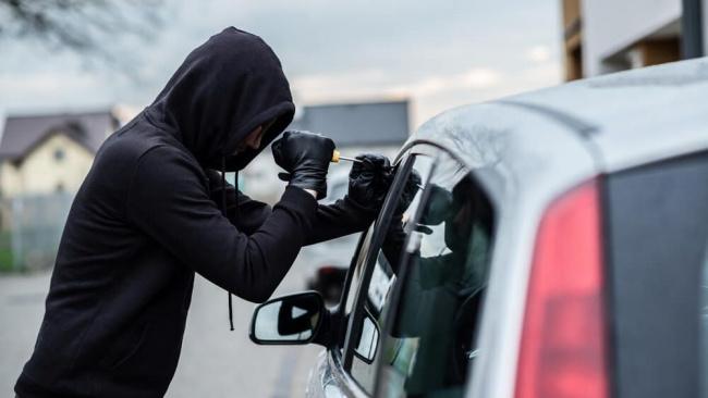 За прошлые сутки пять человек заявили о хищении автомобилей