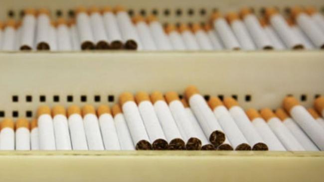 В Англии запретили выкладывать в магазинах сигареты на прилавки