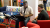 Google после слияния с Motorola назначит в компании ...