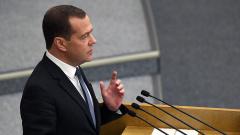 Дмитрий Медведев оценил ситуацию с недобросовестными подрядчиками