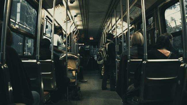 Мэр Екатеринбурга предложил выталкивать из автобуса граждан без масок