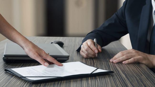 Роструд уточнил, в каких случаях работнику могут отказать в отпуске