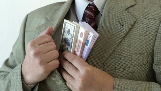 Следственный комитет задержал своих коллег по подозрению в коррупции