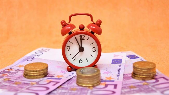 Депутаты предложили ввести почасовую оплату труда