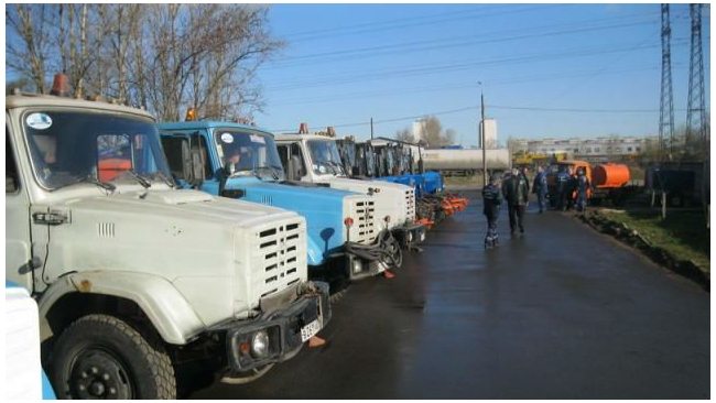 Спецтехнику Жилкомсервиса №1 Колпинского района арестовали за долги