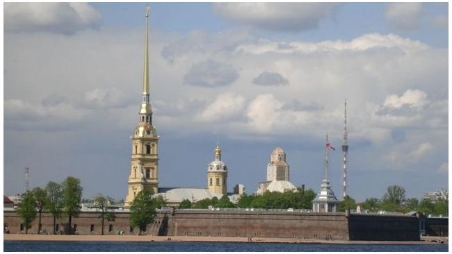 Роспотребнадзор признал пригодным для купания отдыхающих только 1 из 25 пляжей Петербурга