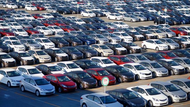 Спрос на новые автомобили в июне упал на 3,3%