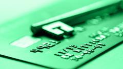 Банки снова нашли причину для блокировки счетов пользователей