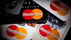 Mastercard организует переводы по номеру телефона за границу