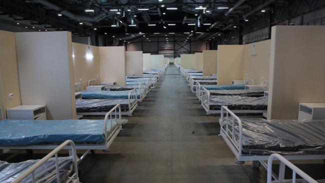 Волонтеры пришли в специализированный госпиталь в Гавани