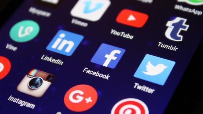 Число активных пользователей Twitter в месяц в 3-м квартале возросло до 187 млн человек