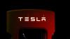 Акции Tesla падают из-за твита Маска о выкупе акций ...