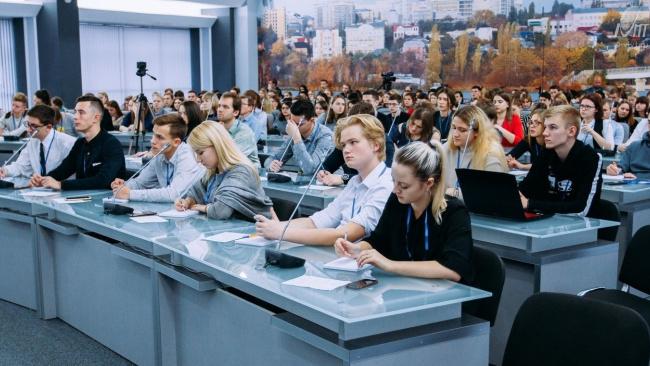 Вице-губернатор Евгений Елин объявил об увеличении доли среднего и малого бизнеса в 2024 году