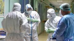 Правительство РФ продлило на сентябрь доплаты медикам, работающим с больными COVID-19