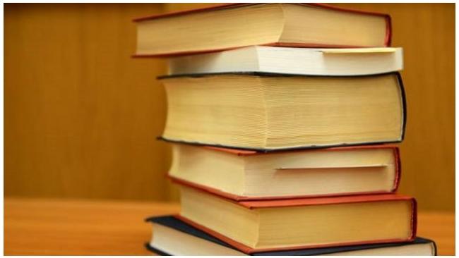 Учителя Петербурга заявили в ФАС о повышении цен на учебники на 70%