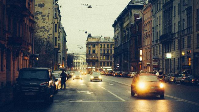 Средняя цена автомобиля с пробегом в РФ в июне составила около 606 тысяч рублей