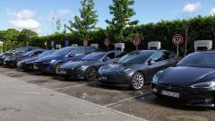 Стоимость Tesla оценивается почти в полтриллиона долларов