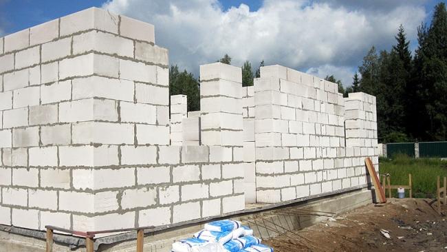 Служба государственного строительного надзора оштрафовала более 100 строек Петербурга