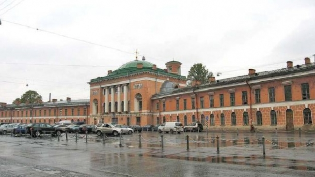 Власти Петербурга забирают у Plaza Lotus Group здание Конюшенного ведомства