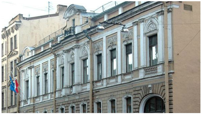 Смольный выселяет генконсульство Польши и требует 74,3 млн рублей за аренду