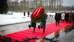 На Пискаревском кладбище почтили память погибших в блокадные годы