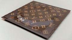 Презервативы Louis Vuitton оказались дизайнерской шуткой