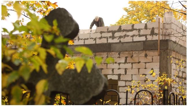 Строительство около Шуваловского кладбища ограничили в суде