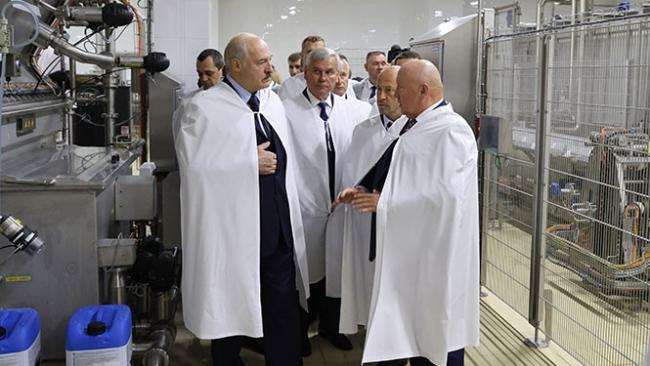 Лукашенко поручил переориентировать торговые потоки с портов Литвы