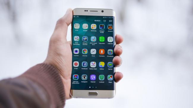 Samsung Galaxy S9: гаджеты рассекретили за неделю до релиза