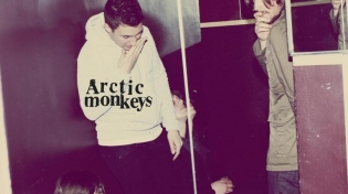 ARCTIC MONKEYS. Humbug