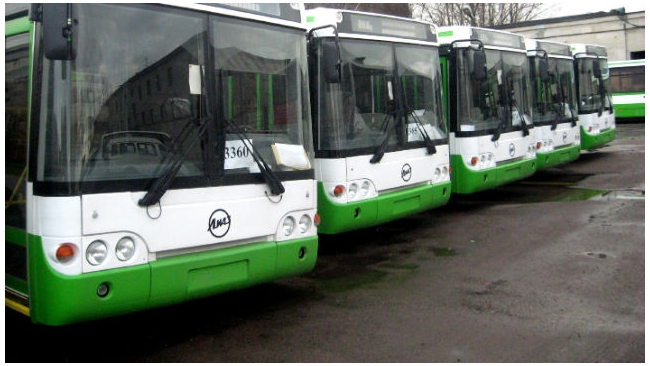 Пассажирский автобус №191 попал в ДТП на Дворцовом проезде