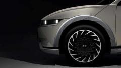 Hyundai опубликовала первые тизеры электрокроссовера Ioniq 5