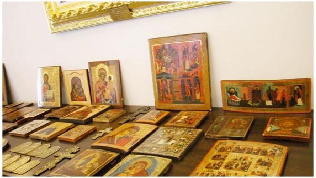 Петербургского коллекционера обокрали на 300 тысяч