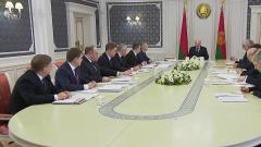 Эксперты посчитали, что Лукашенко нагнетает отношения с Россией