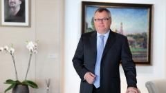 """Банк ВТБ спасет """"Ингосстрах"""" от чешского миноритария"""