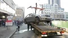В Петербурге приняли закон о платной эвакуации автомобилей